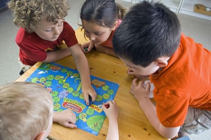 Kinder spielen gemeinsam   © panthermedia.net /darko64
