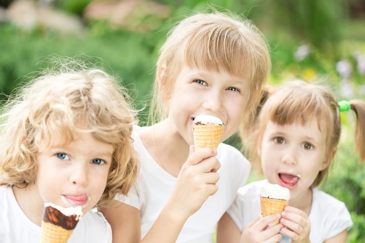 Kinder essen Eis   © panthermedia.net /Yaruta